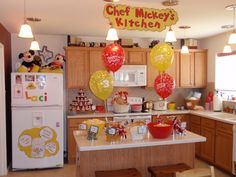 Homemade Party Decorations | : Homemade Mickey Mouse and Minnie Mouse Parties on Catch My Party ...