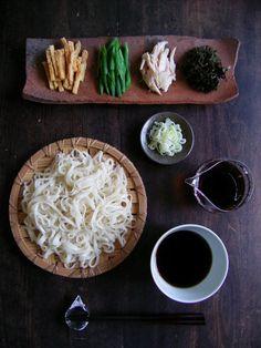 するっとおいしい麺類を食べるなら美しい箸の持ち方で、食べる姿もやまとなでしこ♡