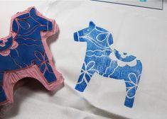 Dala Horse Block Printing christmas cards, blockprint, swedish dala, craft, dala hors, block prints, diy tutorial, scandinavian christmas, address stamps