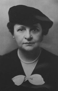 Frances Perkins  From a comfortable background in Worcester, Massachusetts, Frances Perkins went to Mount Holyoke. There lecturers introduced her to the cause of social reform. While teaching in Chicago, she spent her free time at Hull House and she began to move into the new field of social work. She witnessed the Triangle Shirtwaist fire in 1911. That tragedy stiffened her resolve to fight for better conditions for working people, especially women.