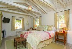 This great bedroom (& great light fixture)!!