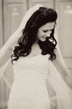 Romantic bridal down 'do