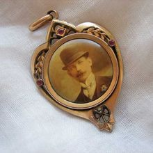 Victorian Jugendstil Photograph Heart Pendant Gold Filled Ruby Seed Pearl Chain Man Hat Photo