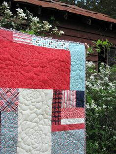 Chrysanthemum free motion quilting by StitchedInColor.