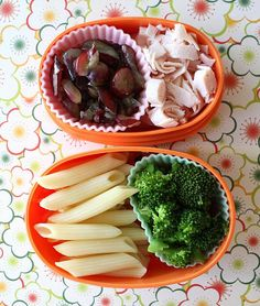 Toddler lunch idea...grapes, turkey lunch meat, broccoli and pasta