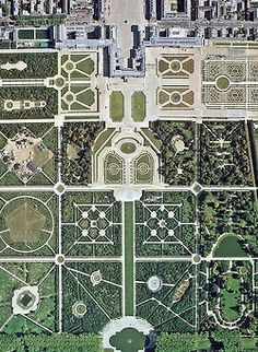 buddhabrot:  Versailles gardens from above