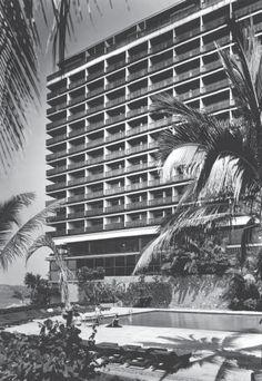 """Hotel """"El Presidente"""", Av. Costera Miquel Alemán, Acapulco, Guerrero, México 1959   Arqs. Juan Sordo Madaleno y José Wiechers Escandón   Foto: Guillermo Zamora - Hotel """"El Presidente"""", Acapulco, Mexico, 1959"""