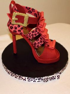 shoes, pink ribbons, shoe cakes, sugar art, stilettos, heels, amaz cake, fashion cake, birthday cakes