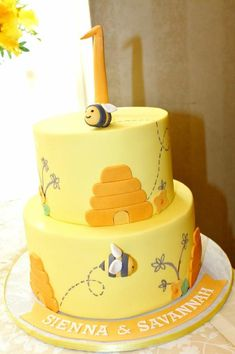 """love the way the names are done along the edge of cake with just a big """"1"""" at top"""