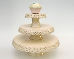 Lace cake plates