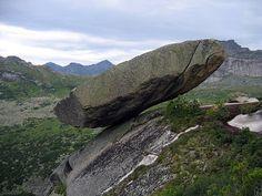 Ergaki Hanging Rock, Russia http://www.incrediblediary.com/ten-amazing-rocks-in-the-world.html#