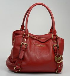 Why does a lady need a bag always with her? Indeed  the bags she needs is not only one. The more, the better. And who don't want a luxury one, especially like Michael Kors? |Michael Kors bags discount.  http://www.michaelkorsgroup.com/