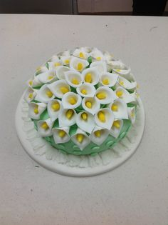 Lilian Ortiz created a beautiful fondant cake in Course 3 Gum Paste and Fondant at AC Moore in Davie, FL 954-868-9100