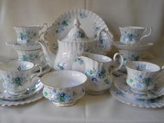 Royal Albert 22pc ''Inspiration'' Teaset