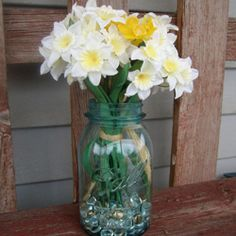 Cute decorating ideas with mason jars.
