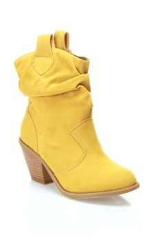 Yellow cowgirl boots!!