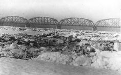 Feb. 12, 1916 the Columbia River was an ice jam.
