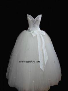 Strapless Princess Wedding V Neck Tulle Debutante Ball by ieie, $413.00