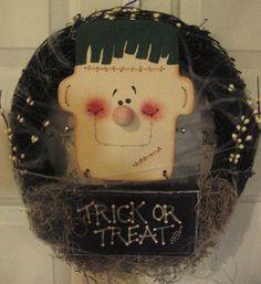 Primitive Halloween Frankenstein Trick or Treat Wall Door Wreath Decoration.
