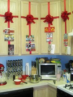 Holiday Cabinet Decor/Card Display