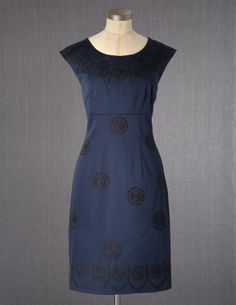 Beautiful dress...great for holiday parties! bodenusa.com