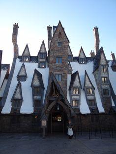 Three Broomsticks - Wizarding World of Harry Potter, Universal Studios - Orlando, FL