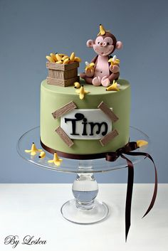 Monkey & bananas cake, so cute! Via Flickr