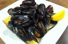 Chef Matt Rice's Lemon Curry Mussels