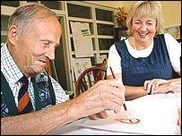 Elderly helped by music and art  http://news.bbc.co.uk/2/hi/uk_news/england/hampshire/4098643.stm#