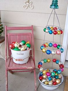 Christmas Ideas http://bec4-beyondthepicketfence.blogspot.com/2014/07/christmas-in-july.html cage tree, tomato cage, picket fenc, christma idea, christmas ideas