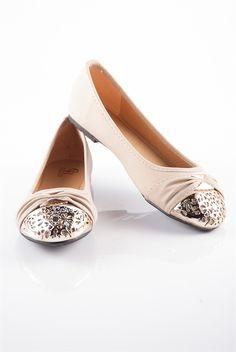 Elegant Gold Toe Ballet Flats - Tan