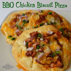 BBQ Chicken Biscuit Pizza - yum! Perfect snack-sized pizzas.