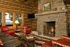 Cozy log cabin with Molesworth furniture