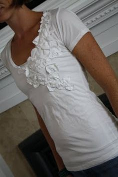 Really simple idea to embellishing a simple t-shirt! Adorable!