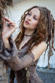 Love the hair....  mooky-rat-bougris:    *o*    Oona Kassila <3