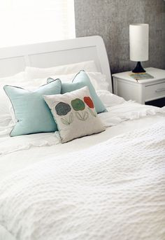 For me there's just nothing like white linens :)