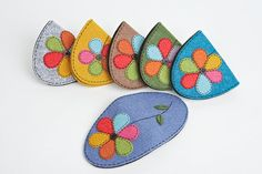 felt coin pouches found at chon1202 on Etsy.