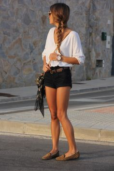 Simple and comfy summer outfit. Loose 3/4 sleeve white v-neck tee from H, black cuffed shorts- Stradivarius, brown leather belt from Lefties, leapord slipper flats from Shoeworld, lightweight skull printed scarf from Link