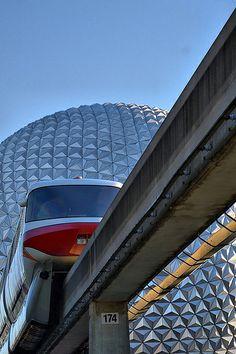 Disney - Monorail and Spaceship Earth