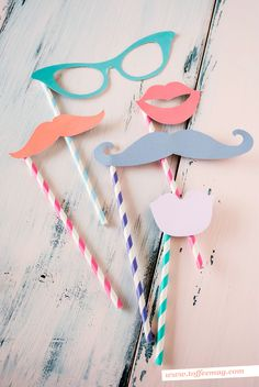 Cute printable photo booth props – FREE inside Toffee magazine! Such a great idea.  They should make a cricket cartridge with photo props...