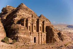 10 Most Famous Wonders of The World - Petra, Jordan