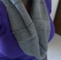 Cute and easy knit eternity scarf pattern!
