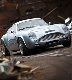 L'Aston Martin DB4 GT Zagato d'Evanta...