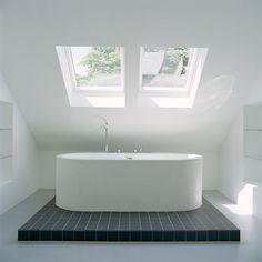 vrijstaand bad op zolder