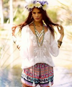 Hippie summer styles, boho chic, boho gypsy, gypsy style, bohemian fashion, flower headbands, bohemian summer, casual styles, flower children