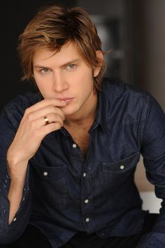 Greyston Holt | Clayton Danvers in Kelley Armstrong's Bitten (Women of the Otherworld) TV series (2014)