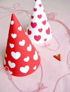 Free Printable Valentine's Day Party Hats #valentines