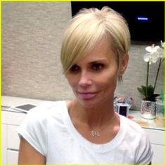 Kristin Chenoweth Debuts New Short Pixie Haircut!