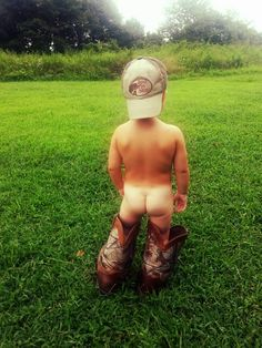 Daddy's baby boy...country roots!! This definitely make me think of a certain boy!