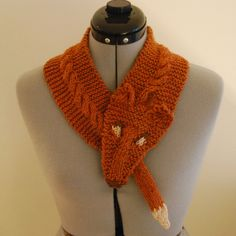 Kitty-Ears: Foxy Neckwarmer. Must figure out how to make one with crochet instead of knit!!!